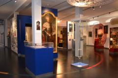 Blick auf die Ausstellung der Zeit der Universitätsgründung: Stifter, Stiftungen und Stipendien © R. Gschwendtner 2012