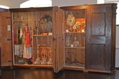 Jesuitenschränke - Sakristeischränke der Jesuitenkirche und ihre Ausstattung © R. Gschwendtner 2012
