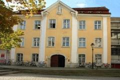"""Das Haus """"Zur lieben Hand"""" in der Löwenstraße wurde im Jahr 1779 als Barockgebäude erbaut © R. Gschwendtner 2011"""