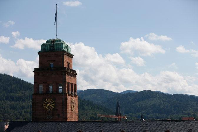 Uniturm mit Ausblick auf den Schwarzwald © P. Mesenholl 2009