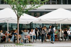 Außenterrasse des Café Europa © Sandra Meyndt 2016