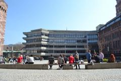 Das Kollegiengebäude III der Universität Freiburg wurde zwischen 1964 und 1967 erbaut © R. Gschwendtner 2012