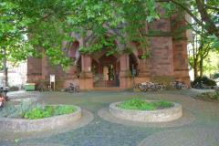 Das Kollegiengebäude IV der Universität Freiburg wurde zwischen 1896 und 1902 von Carl Schäfer entworfen © R. Gschwendtner 2011