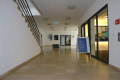 """Eingangsbereich des """"Service Centers Studium"""" © R. Gschwendtner 2012"""