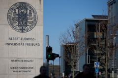 Eingang zum Campus der Technischen Fakultät der Albert-Ludwigs-Universität Freiburg © P. Mesenholl 2009